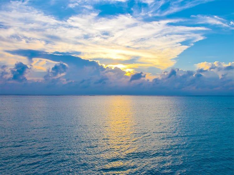 宮古島おすすめフォトスポットー宮古サンセットビーチ
